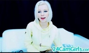 MILF cam women are very experienced