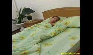Hot mommy woke up her sleeping young son