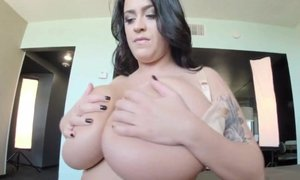 Large 44G natural boobs jiggling - The biggest bra cups I have ever seen
