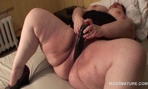 Aroused busty mature slut dildo fucking her large cunt