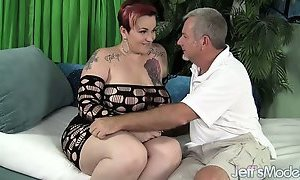 Sexy mature BBW Selenda White is fucked