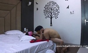 Indian Couple Sex MMS Fucking In Missioary Position